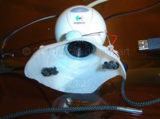 Dream mask fitted with a webcam